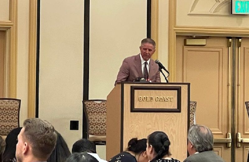 Kerry Bubolz, president of the Vegas Golden Cavaliers, served as the guest speaker.
